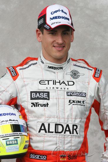 图文-07赛季F1正式车手官方照20号苏蒂尔