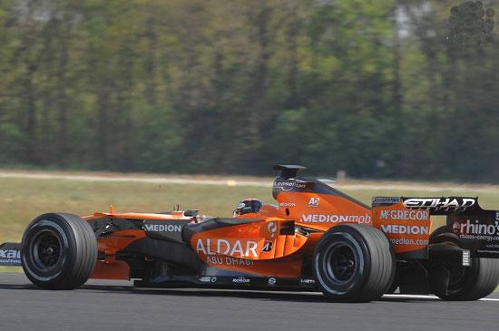 世爵F1战车竞速F16战斗机阿尔博斯驾F1战车