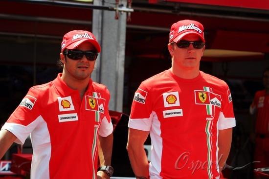 图文-F1车手亮相摩纳哥红魔亮相蒙特卡洛