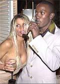 艳星乔丹做完b超 约克与美女狂欢不理其怀孕图