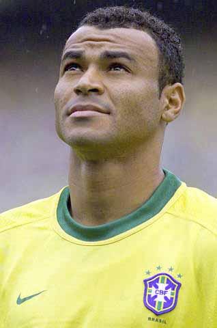 2002韩日世界杯巴西队主力右后卫卡福