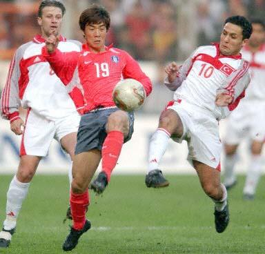 图文-[世界杯]土耳其0-0韩国 巴斯图克勇拼尹晶