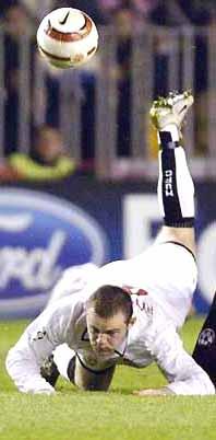 冠军杯-双尼组合失色进攻乏力曼联客场平斯巴达