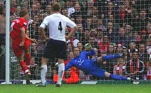 英超-杰拉德罚失点球利物浦战平热刺入前四堪忧