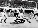 金球奖老照片:1966世界杯激战雅辛与贝肯鲍尔的对话