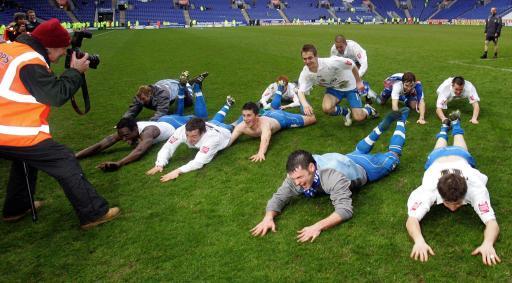 英冠诞生首支升级队前曼联人带百年老队首次冲入英超