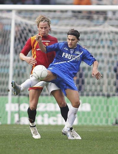 意大利边缘国脚加盟瓦伦西亚高效射手进球率堪比舍瓦