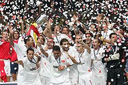 欧洲超级杯-塞维利亚3球夺冠三叉戟失效巴萨完败