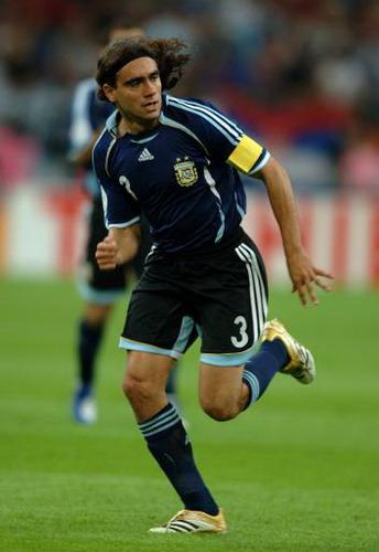 阿根廷队长告别黄色潜水艇索林为冠军联赛签约汉堡