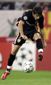冠军杯-罗马4-0大屠杀莫伦特斯3球瓦伦西亚逆转
