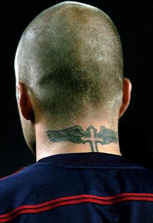 小贝后颈的纹身图片