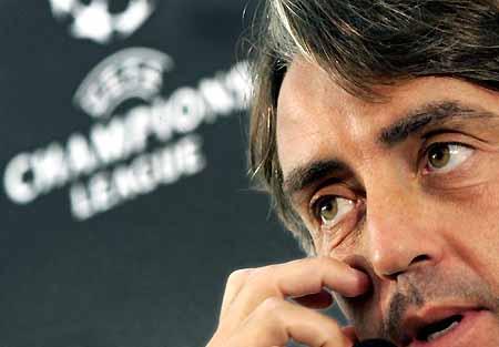 图文-国际米兰备战欧洲冠军联赛曼奇尼展望前景