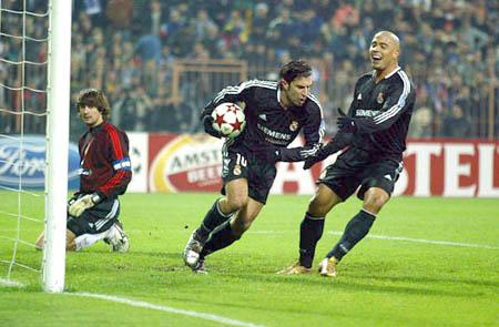 图文-[冠军杯]基辅2-2皇马费戈进球却不兴奋