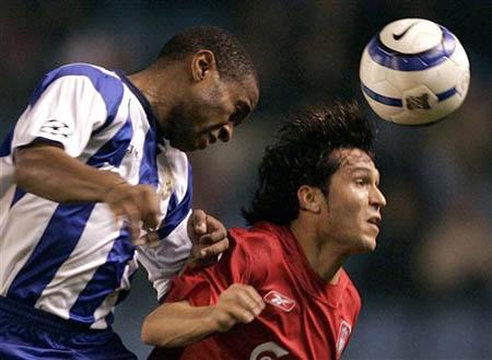 图文-[冠军杯]拉科0-1利物浦安德拉德同加西亚争顶