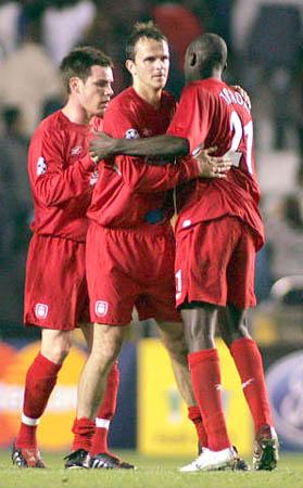 图文-[冠军杯]拉科0-1利物浦红军队员庆祝胜利