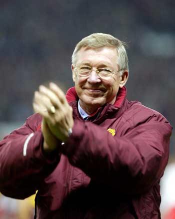 图文-[冠军杯]曼联2-1里昂弗格森的笑容十分慈祥