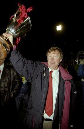 图文-弗格森执教生涯回顾91优胜者杯欧战初有斩获