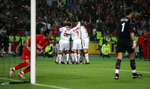 图文-[冠军杯]AC米兰vs利物浦米兰为进球而狂喜