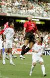 图文-曼联2-0胜中国香港联队史密斯头球争顶