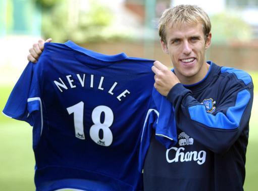 图文-李铁最大对手加盟埃弗顿内维尔得到鲁尼球衣