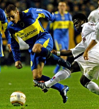 图文-[南美超级杯]博卡3-1卡尔达斯一脚扫翻你