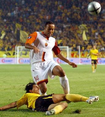 图文-[联盟杯]阿里斯0-0罗马卡查遭到阻截