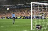 """图文-乌拉圭倒在世界杯门外尤文锋将成了点球""""罪臣"""""""