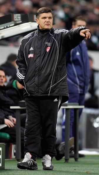 图文-[德甲]门兴对阵纽伦堡汉斯迈尔很专注