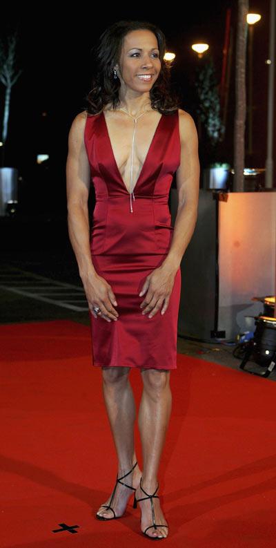 图文-BBC体育年度颁奖仪式霍尔姆斯性感晚礼服