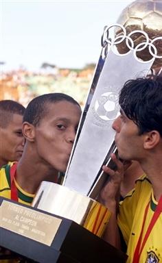 图文-罗纳尔迪尼奥辉煌奖项一览1999年美洲杯冠军