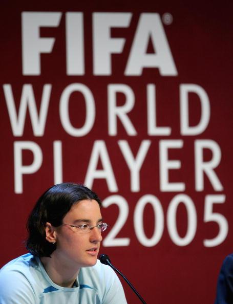 图文-FIFA足球小姐票选花落谁家普林茨十分内向