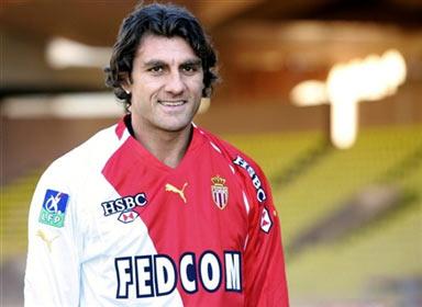图文-维埃里成功转会摩纳哥32岁大将仍然有上场时间