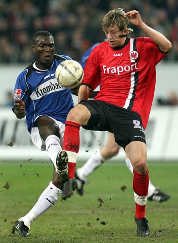 图文-法兰克福1-0比勒菲尔德德国杯半决赛占据先机