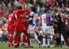 图文-[英超]布莱克本0-1利物浦双方场上冲突不断