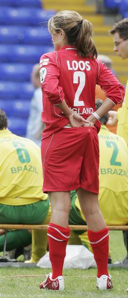 图文-名人世界杯慈善赛美女如云丽贝卡宽衣解带?