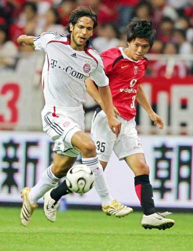 图文-拜仁慕尼黑0-1浦和红宝石 南美帅哥圣克鲁