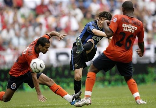 图文-[邀请赛]国际米兰3-2波尔图索拉里左脚劲射