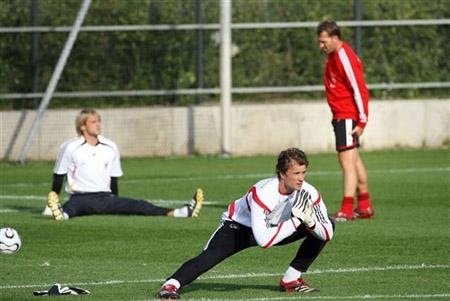 图文-新教练上任后德国首次训练课希尔德布兰挑战莱曼