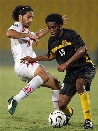 奥科查亮相卡塔尔联赛脚下功夫依然了得