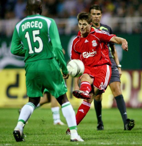 图文-[冠军杯]马卡比1-1利物浦杰拉德拔腿便射