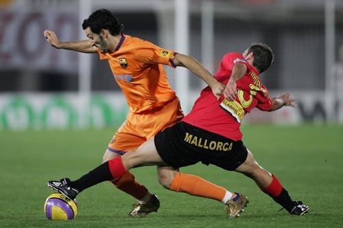 图文-[西甲]马洛卡1-4巴塞罗那赞布罗塔遭遇长腿阻截