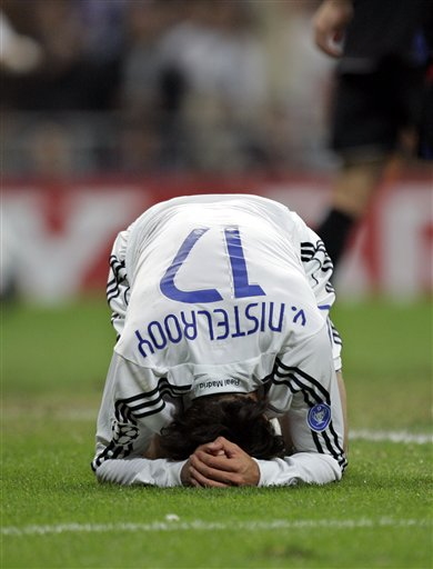 图文-[冠军杯]皇马2-2里昂荷兰人再度错失点球