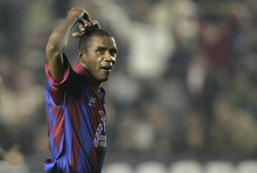 图文-[西甲]莱万特1-1巴塞罗那他攻破了巴萨球门