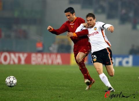 图文-[冠军杯]罗马1-0瓦伦西亚帕努奇防守宝刀未老