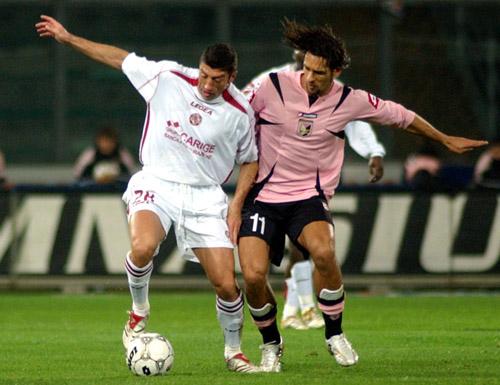 图文-[意甲]雷吉纳2-1阿斯科利阿毛利紧逼对手