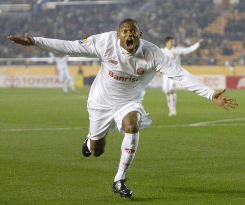 图文-[世俱杯]国际2-1阿赫利他的名字也叫阿德