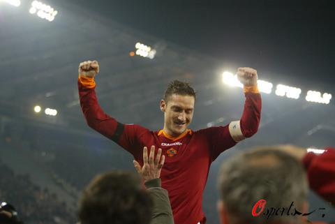 图文-[意甲]罗马4-0巴勒莫30岁的托蒂仍是帅哥