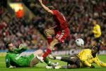 图文-[英联赛杯]利物浦3-6阿森纳贝拉米遭前后夹攻