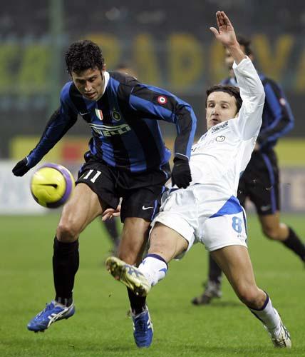 图文-[意大利杯]国际米兰vs恩波利格罗索稳健防守