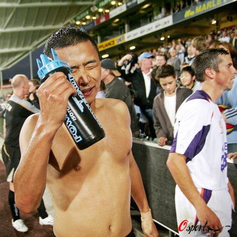 图文-新西兰视频2-0珀斯光荣高雷雷享受胜利喜骑士拉簧健身